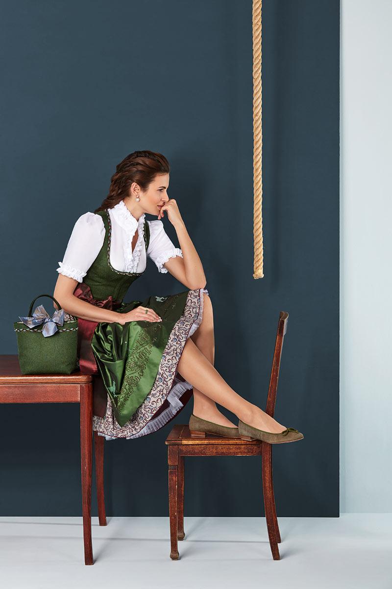 1000 ideas about lederhose damen on pinterest trachten. Black Bedroom Furniture Sets. Home Design Ideas